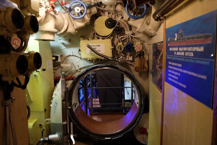 Куда деваться с подводной лодки? (27 фото)