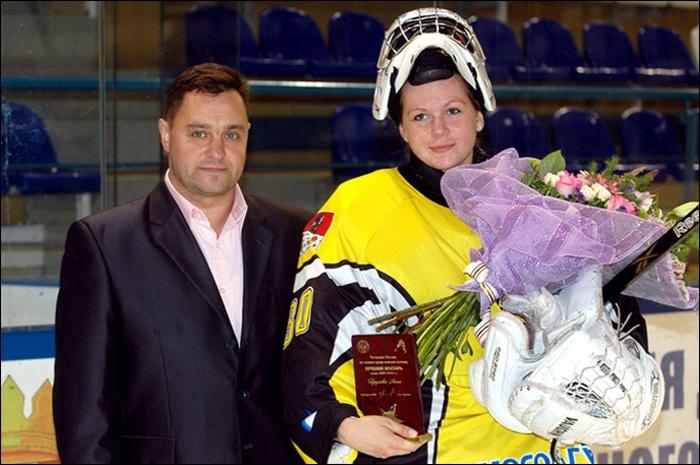 Необычная профессия стройной и хрупкой красавицы - Анны Пруговой (12 фото)