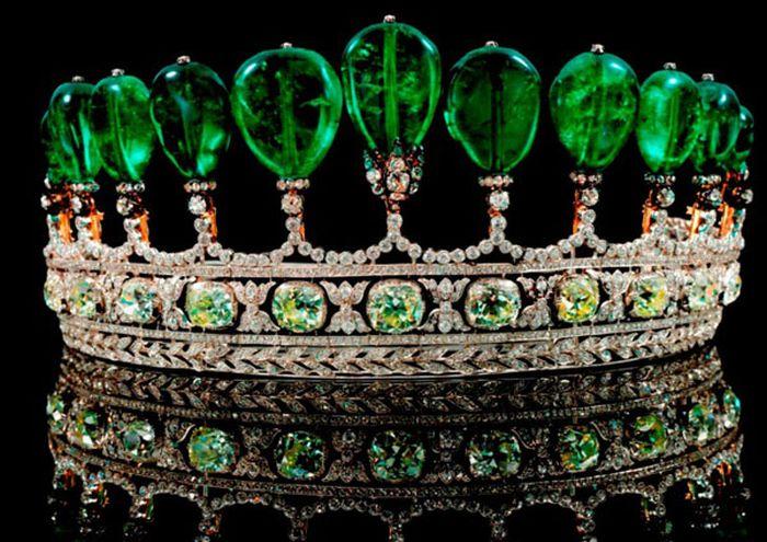Самые дорогостоящие украшения в мире (10 фото)