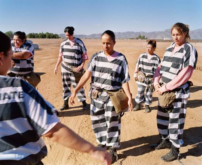 Как живут заключенные девушки в тюрьме США (38 фото)