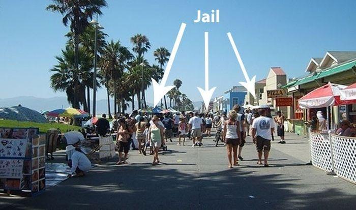 Самые странные законы, которые существуют на самом деле (24 фото)