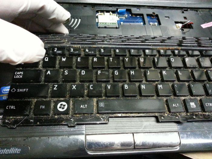 Поломанная техника, которую принесли в ремонт (47 фото)