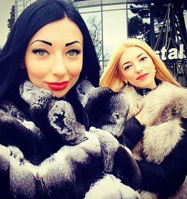 Фотографии гламурных дочек луганского депутата (20 фото)