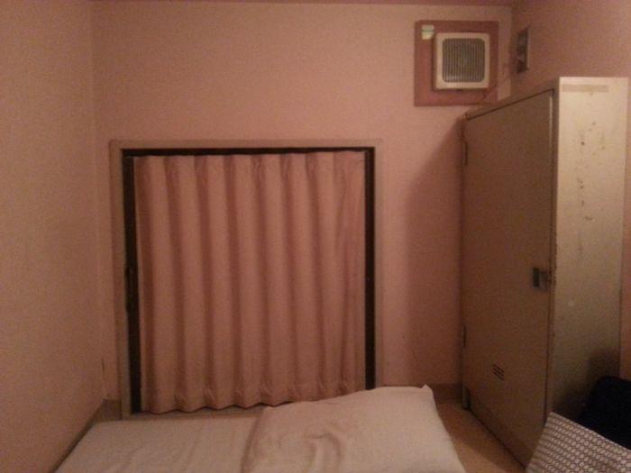 Одна неделя проживания в капсульном отеле в Токио (5 фото)