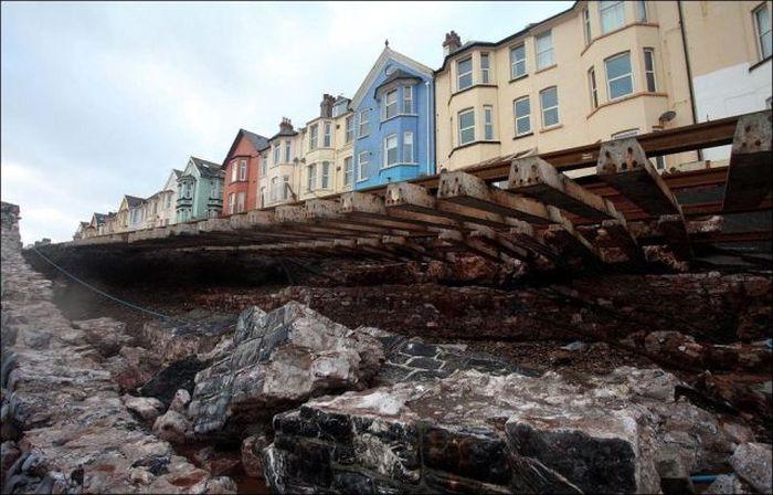 Не желаете домик на берегу моря? (11 фото)