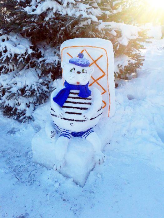 Конкурс снежных скульптур в исправительных колониях Украины (16 фото)
