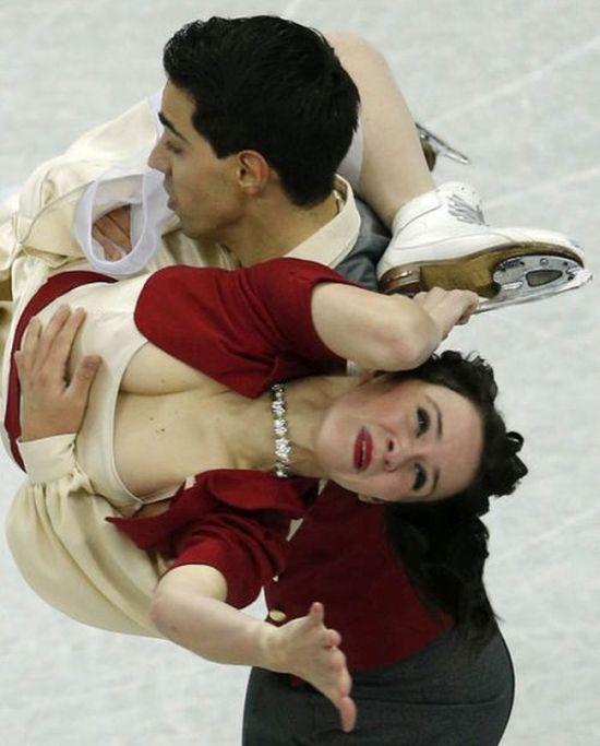 tancy-na-ldu-erotika-12