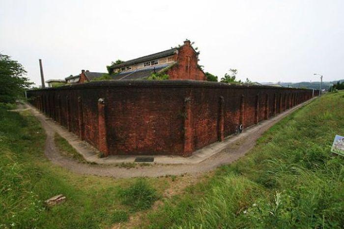 Заброшенная тюрьма в Нагасаки (26 фото)
