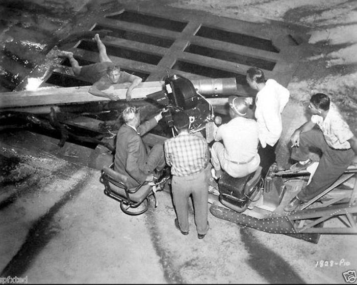 Редкие фотографии со съемок известных фильмов ужасов (40 фото)