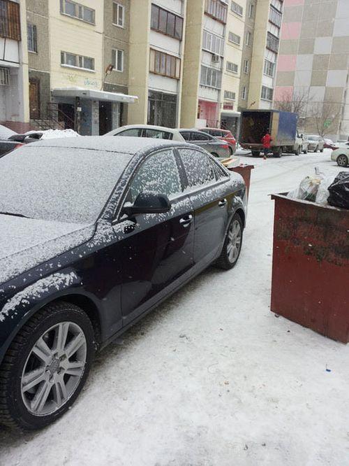 Новый способ борьбы с автохамами в Челябинске (3 фото)