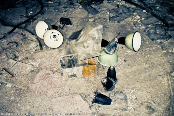 Коммуникационный центр управления Чернобыльской АЭС (28 фото)