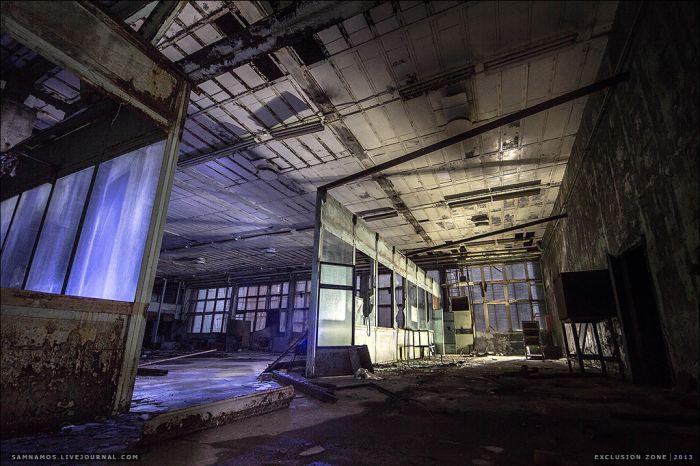 "Секретный объект: ""Завод Юпитер"" на окраине Припяти (40 фото)"