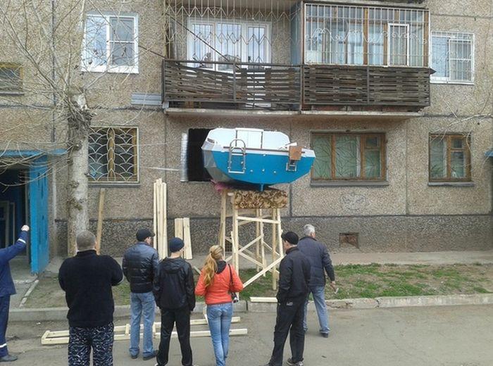Необычное производство в обычной квартире (3 фото)