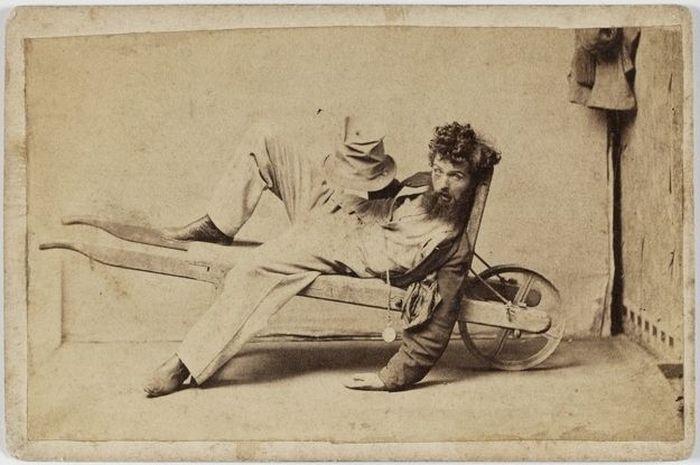 Стадии алкогольного опьянения, заснятые на камеру 150 лет назад (5 фото)