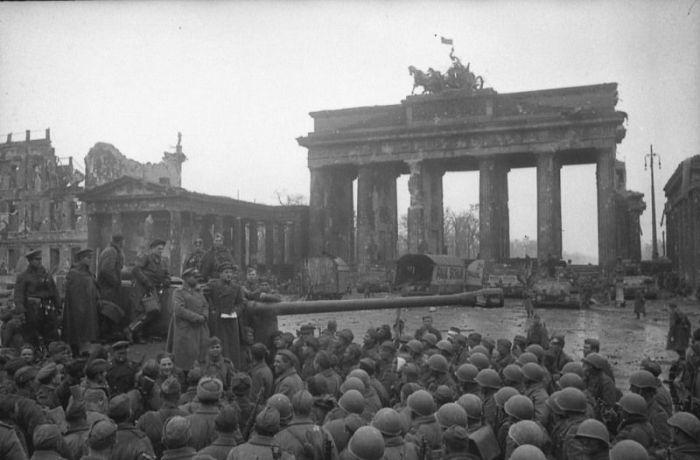 Победа во Второй Мировой в архивных фотографиях (69 фото)