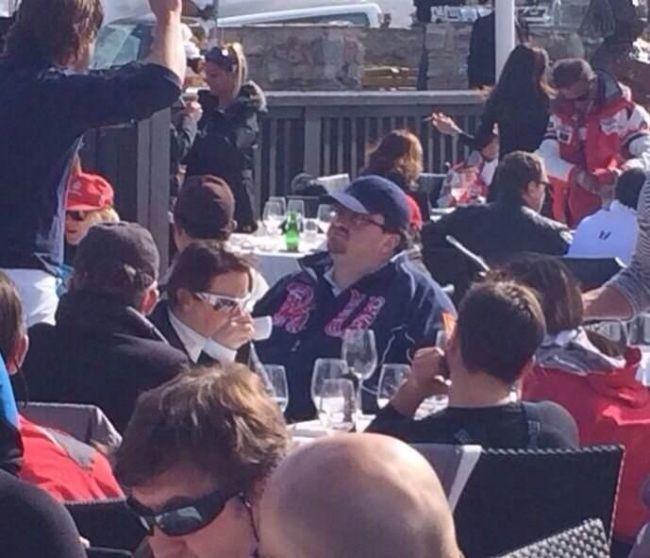 Пресс-секретарь Медведева на отдыхе (5 фото)