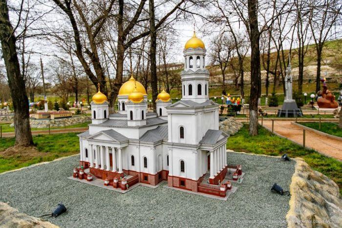 Миниатюра достопримечательностей Крыма (35 фото)