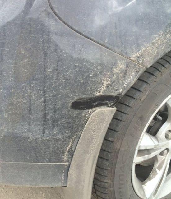 Беременная жена попала в аварию (2 фото)