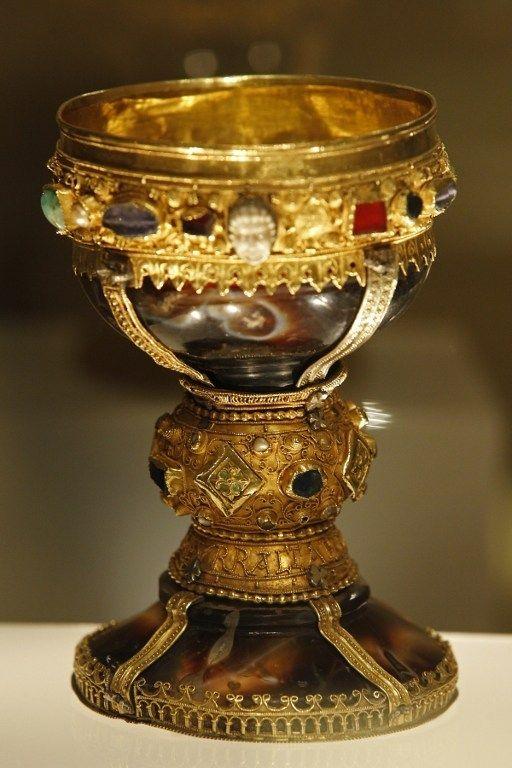 """Удивительная находка: историки обнаружили """"Святой Грааль"""" (6 фото)"""