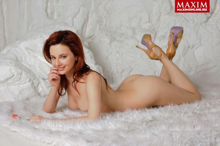 Откровенная фотосессия: Маруся Климова разделась для Maxim (5 фото)
