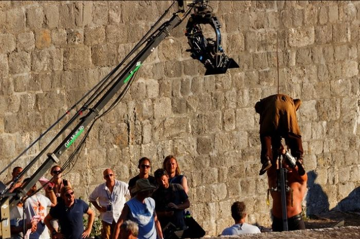 """Фотографии со съемок телесериала """"Игра престолов"""" (40 фото)"""