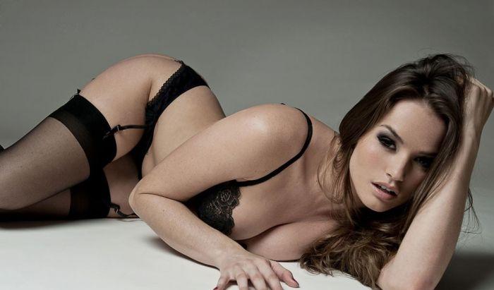 Топ-25 самых сексуальных порноактрис 0014 лета (25 фото)