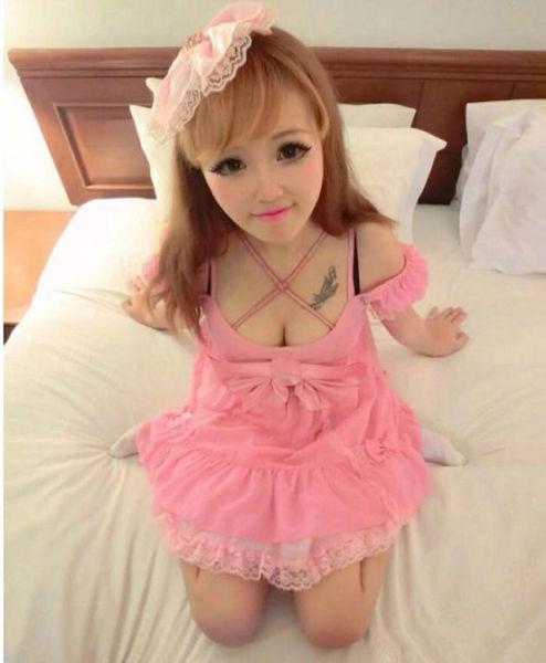 Девушка, похожая на куклу Барби в реальной жизни (14 фото)
