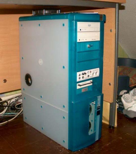 Жарим яичницу при помощи системного блока компьютера (8 фото)