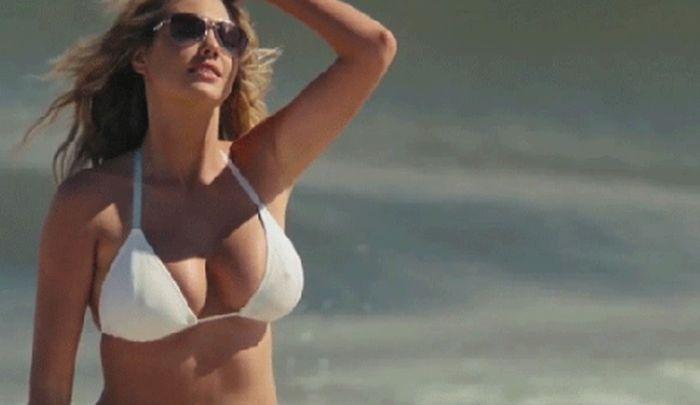 Знаменитые девушки с внушительным размером груди 64 гифки
