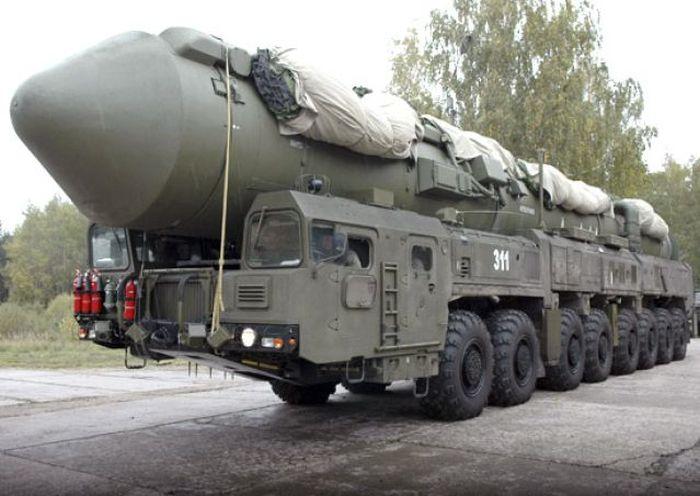 """Успешный запуск межконтинентальной баллистической ракеты РС-24 """"Ярс"""" (2 фото)"""
