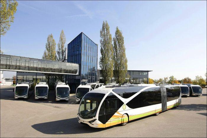 Шикарный интерьер vip-троллейбусов (6 фото)