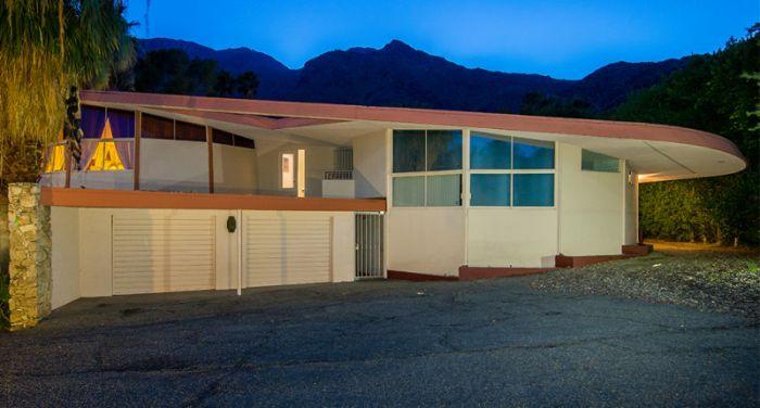 Дом Элвиса Пресли выставлен на продажу (33 фото)
