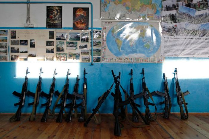 Подготовка бойцов спецназа России из неопытных школьников (27 фото)