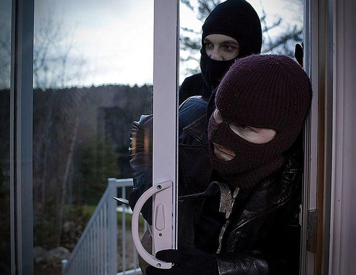Как защитить свое имущество от воров (3 фото)