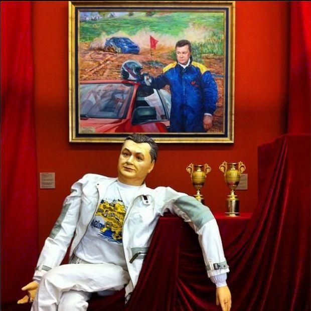 Распорядок дня бывшего президента Украины Виктора Януковича (3 фото)