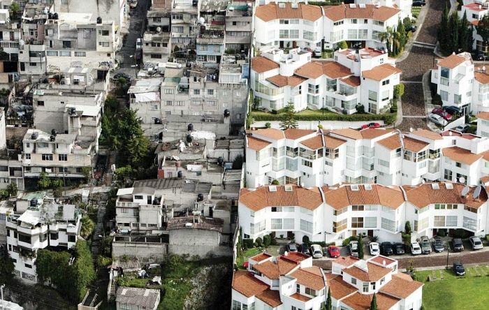 Богатый и бедный районы (4 фото)