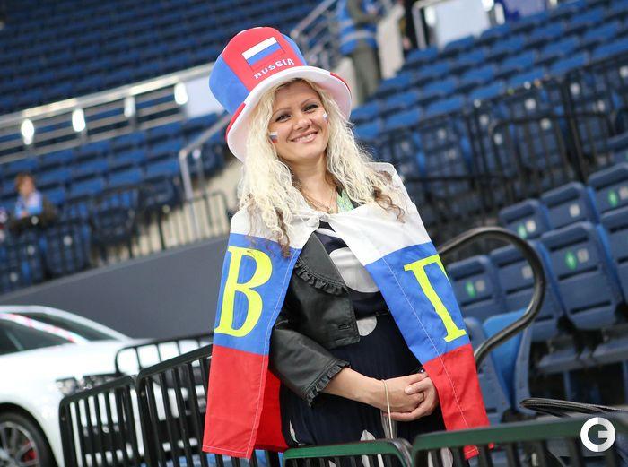 Привлекательные болельщицы чемпионата мира по хоккею в Минске (24 фото)