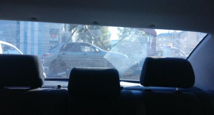 Оказался в неприятной ситуации по вине другого водителя (5 фото)