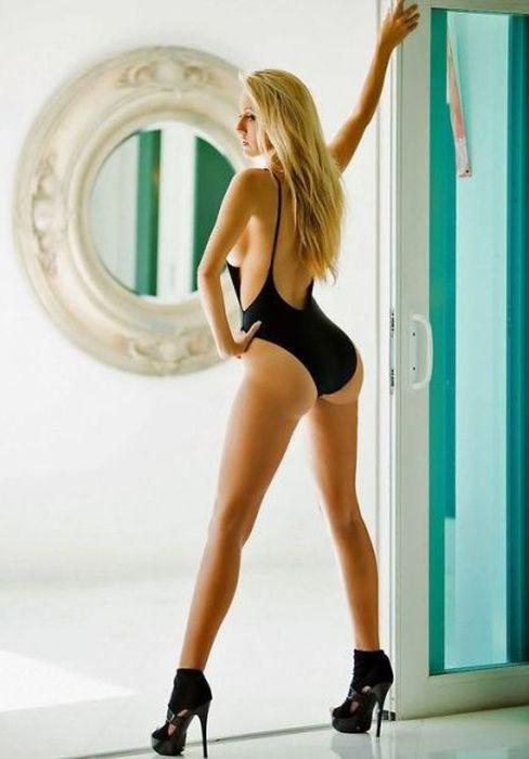Сексуальные попки стройных девушек (57 фото)