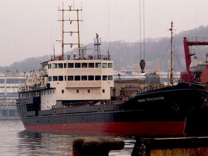 Рэкет в 90-е годы и моряки (3 фото)