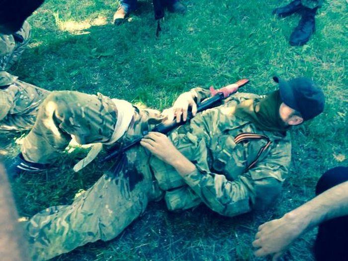 Украинские военные бомбят аэропорт Донецка с воздуха (15 фото + видео)