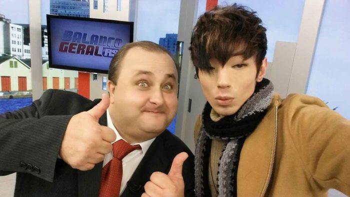 """Бразильский поклонник аниме решил стать """"корейцем"""" (14 фото)"""