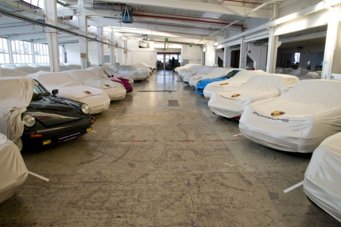 Скрытый склад автомобилей Porsche в Штутгарте (36 фото)