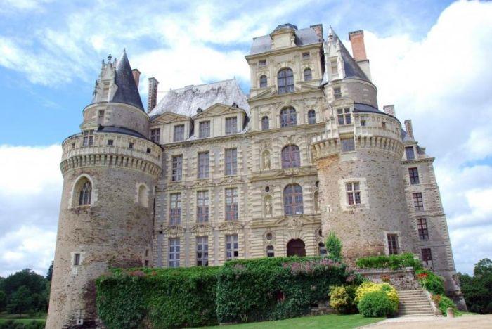 Топ-10 старинных замков с привидениями (10 фото)