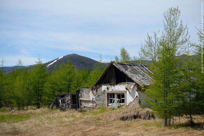 """Заброшенный поселок """"Яблоневый"""" (25 фото)"""
