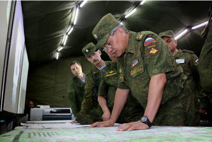 Фотоотчет проверки боеготовности войск РФ (27 фото)
