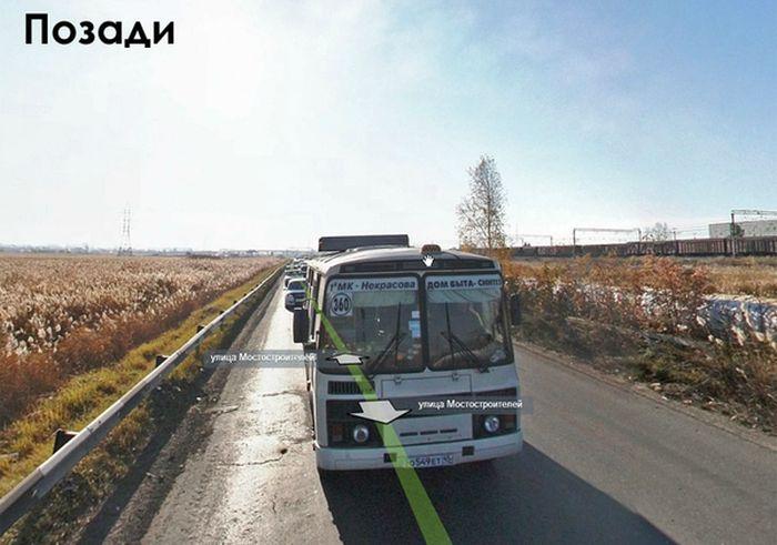 Специализированный Яндекс-мобиль за работой (2 фото)
