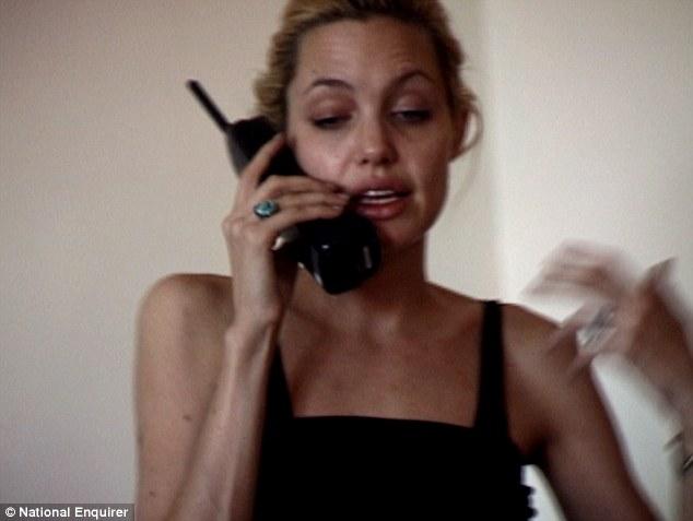 seks-video-s-devushkoy-pohozhie-na-anzhelina-dzholi-popochki-i-sisechki-onlayn