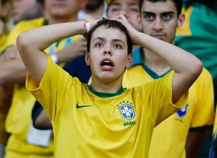 Разочарованные фанаты сборной Бразилии (40 фото)