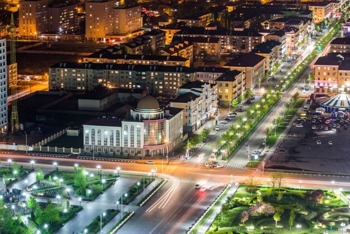 Фотоэкскурсия по современному Грозному (47 фото)